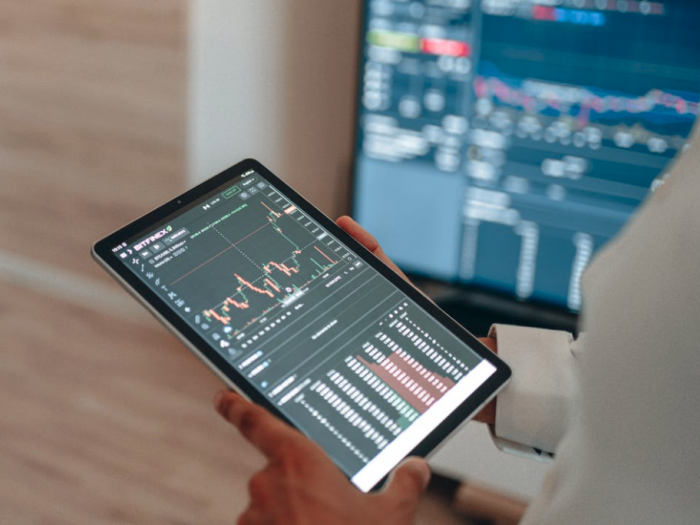 crypto trading tablet application